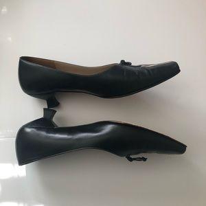 🆕Listing: Joan & David black leather